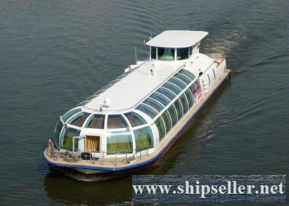 164. Canal passenger ship