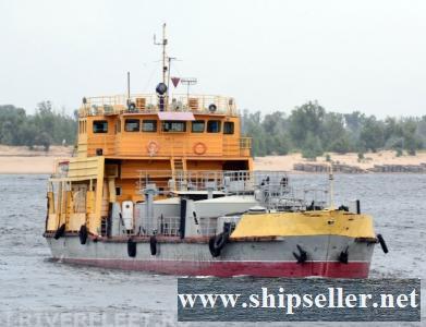 390. River Tanker